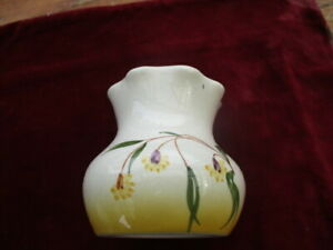Vintage-Braemore-1940-50-Scalloped-Edge-Hand-Painted-Squat-Vase