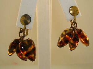 UNIQUE-VINTAGE-1940-039-S-GOLD-WASHED-TIGER-STRIP-LUCITE-HEART-DANGLE-EARRINGS