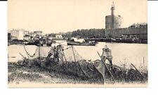 FRANCE: AIGUES-MORTES. - LES REMPARTS ET LE GRAND CANAL. FISHING NETS ON BANK.