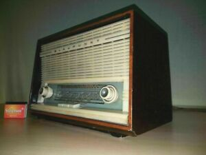 50er-60e-Blaupunkt-Ballett-20010-Roehrenradio-Holz-Mid-Century-Laeuft-ungeprueft