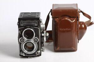 Rolleiflex-3-5F-mit-Carl-Zeiss-Planar-3-5-75-mit-Belichtungsmesser