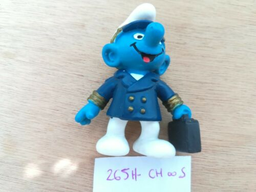 figurine SCHTROUMPF 265H Capitaine de bord Pilote China 2000 Schleich-smurf