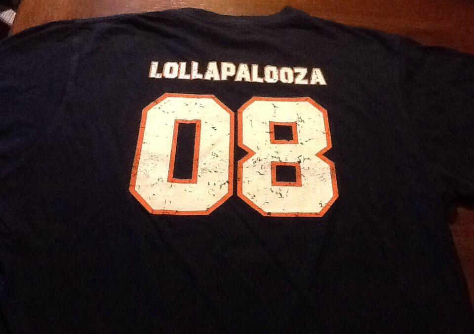 Vintage Lollapalooza 2008 s s navy t-shirt size medium