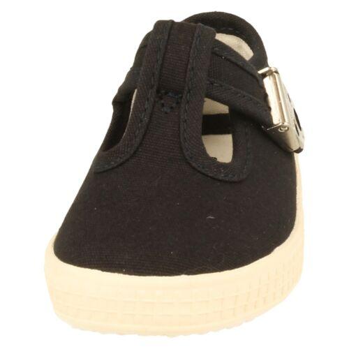 Wells Children/'s Start-Rite T-Bar Canvas Shoes