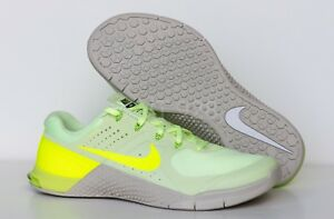 official photos 2a41a db09e Image is loading NEW-NIKE-METCON-2-BARELY-VOLT-VOLT-LIGHT-