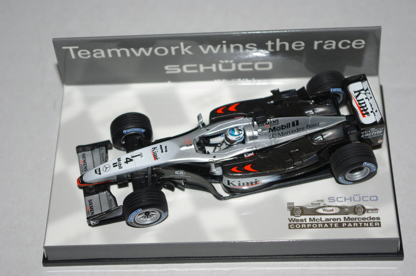 Minichamps F1 1/43 MCLAREN MERCEDES MP4/17 Kimi Raikkonen-Schuco Edition