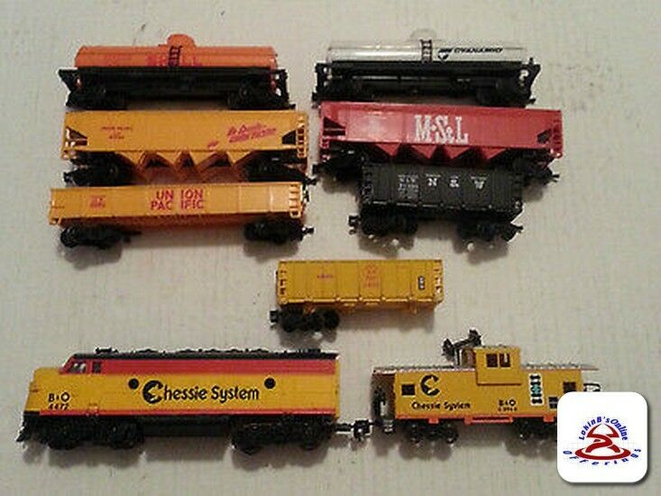 LIFE LIKE B&O 4472 CHESSIE SYSTEM DIESELTRAIN ENGINE and CABOOSE  HO SCALE