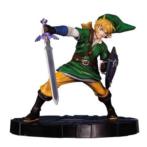 The Legend of Zelda Skyward Sword Link 10-Inch Statue Dark Horse Sword of Power