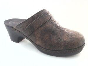 Crocs-Sarah-Women-039-s-Brown-Tooled-Triple-Comfort-Clogs-Slip-On-Mules-Shoes-9-amp-10