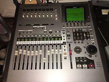 Roland VS-2400CD VS 2400 CD Digital Recorder  1680 1880 2000 2480 w/travel bag