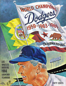 1966-Los-Angeles-Dodgers-baseball-Yearbook-magazine-Walter-Alston-VG