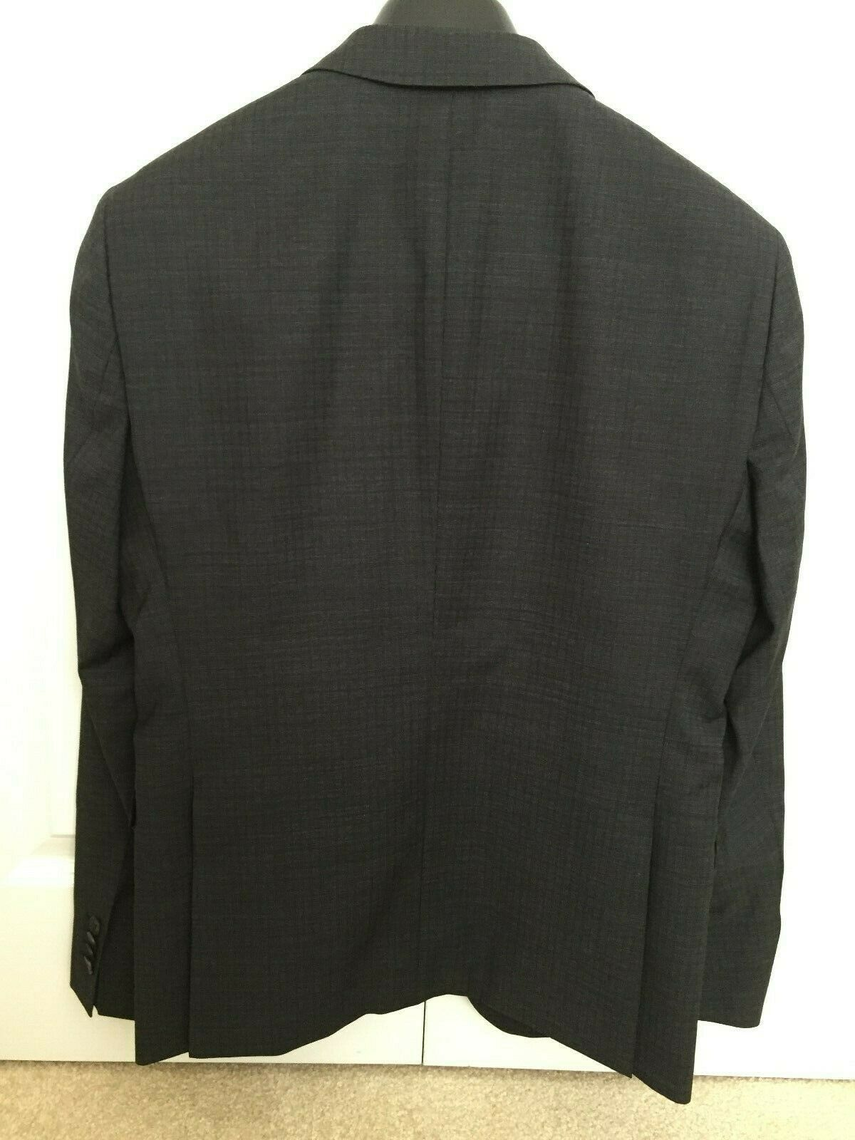 Hugo Boss Suit Jacket - image 3