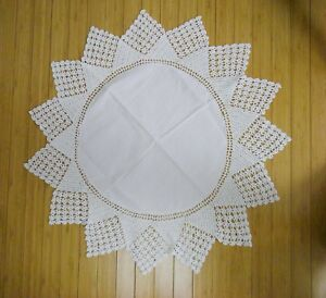 Vintage-28-034-White-Round-Crocheted-Table-Topper-Doily