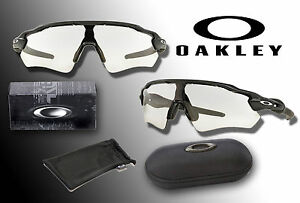 47cfc62268 NEW OAKLEY OO9208 RADAR EV PATH PHOTOCHROMIC CLEAR LENS BLACK FRAME ...