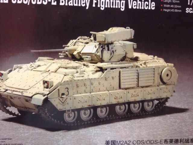 KIT MAQUETA M2A2 ODS/ODS-E BRADLEY FIGHTING VEHICLE 1:72 TRUMPETER 07297