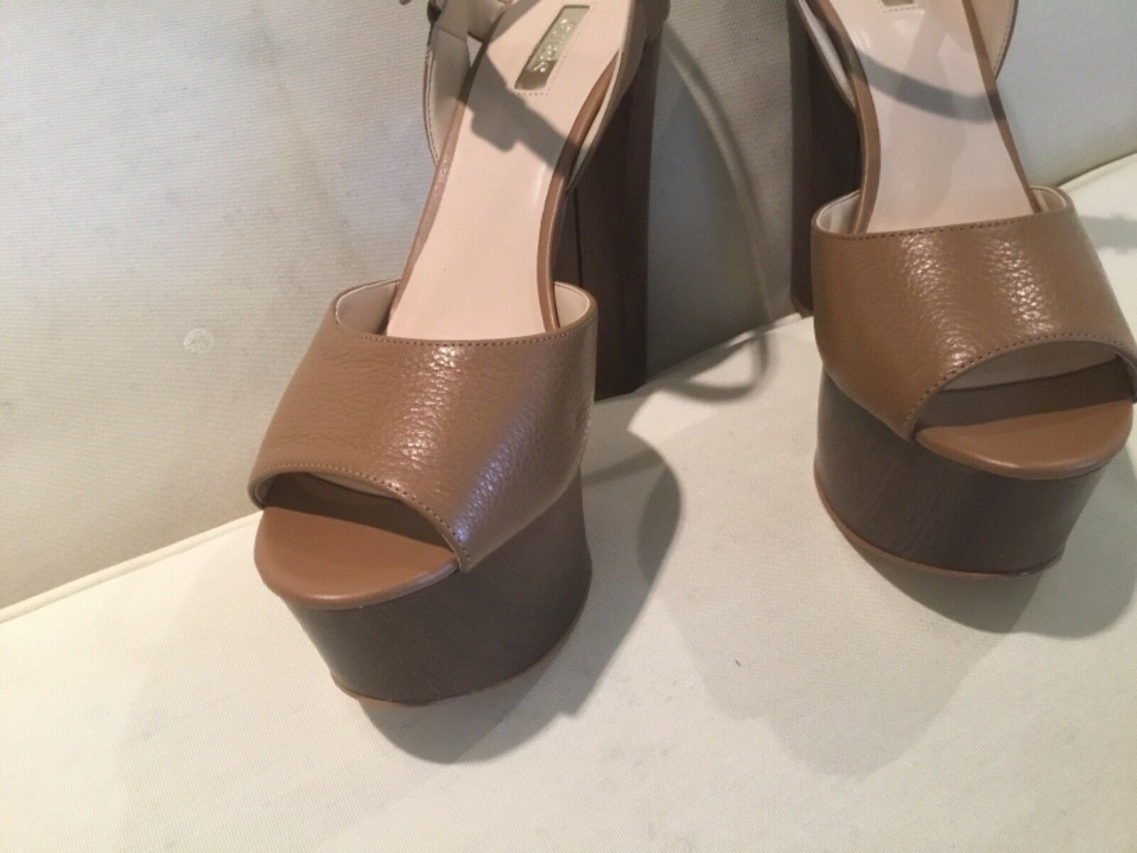 Guess Den Light Brown Leather Stack Tall shoes shoes shoes Women's 9 1 2  M New Heel Platform ac3802