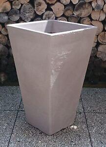 Pflanzkuebel-Blumenkuebel-40-x-40cm-70-cm-Hoehe-Kunststoff-Taupe-sandfarben-PVC