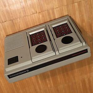 Intellivision-2-II-Spielkonsole-von-Mattel-1982-Sehr-Selten