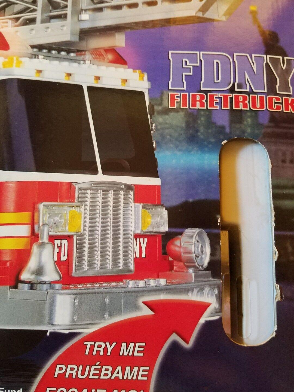 RARE RARE RARE  HTF MEGA BLOKS PRO BUILDER FDNY 456 FIRE ENGINE KIT 9735 New Sealed NIB d0bb92