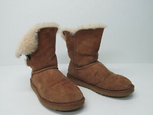 e41216b537b Details about UGG AUSTRALIA S/N 5803 BAILEY BUTTON CHESTNUT SHEEPSKIN BOOTS  size WOMEN'S 9