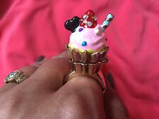 Betsey Johnson Paris Is Always A Good Idea Cupcake Dessert Box Stretch Ring RARE