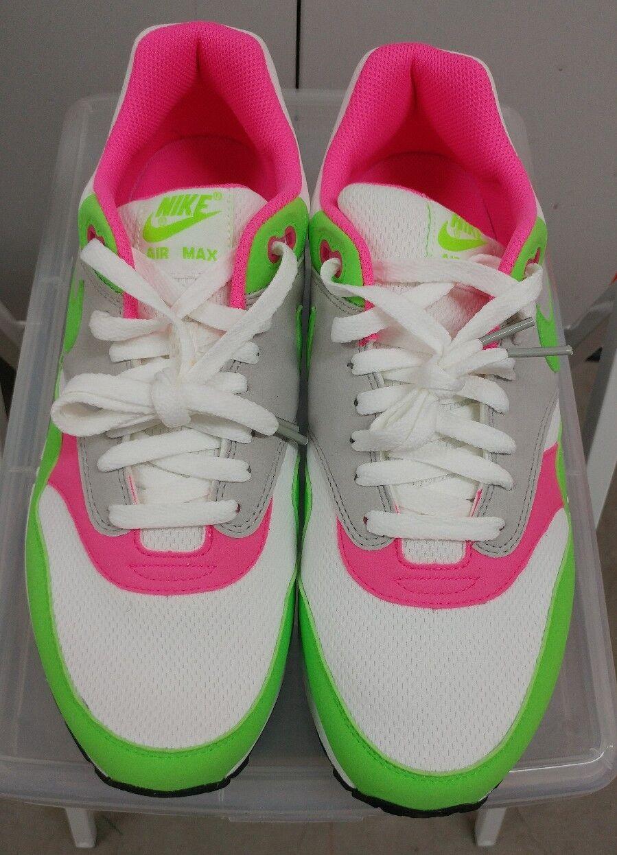 DS NIB Lot Nike Electric Green White Size 10