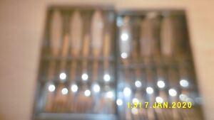6 cuillères longues dans son emballage pas ouvert . neuf Fontignac