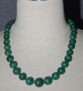 collier perle verte