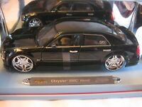 Playerz Chrysler 300c Hemi In A Dark Green 118 Scale Diecast From Maisto Dc137