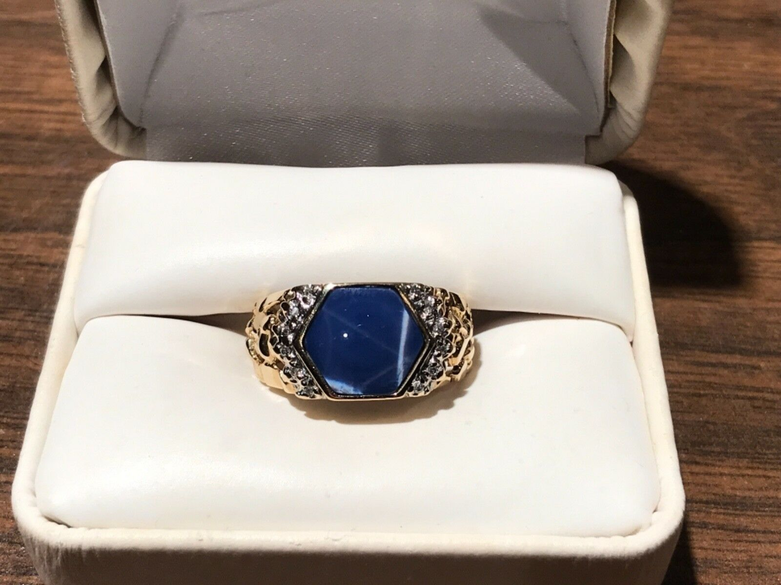 14KT TW0-TONE gold RING WITH blueE STAR OF SAPPHIRE W DIAMOND ACCENTS