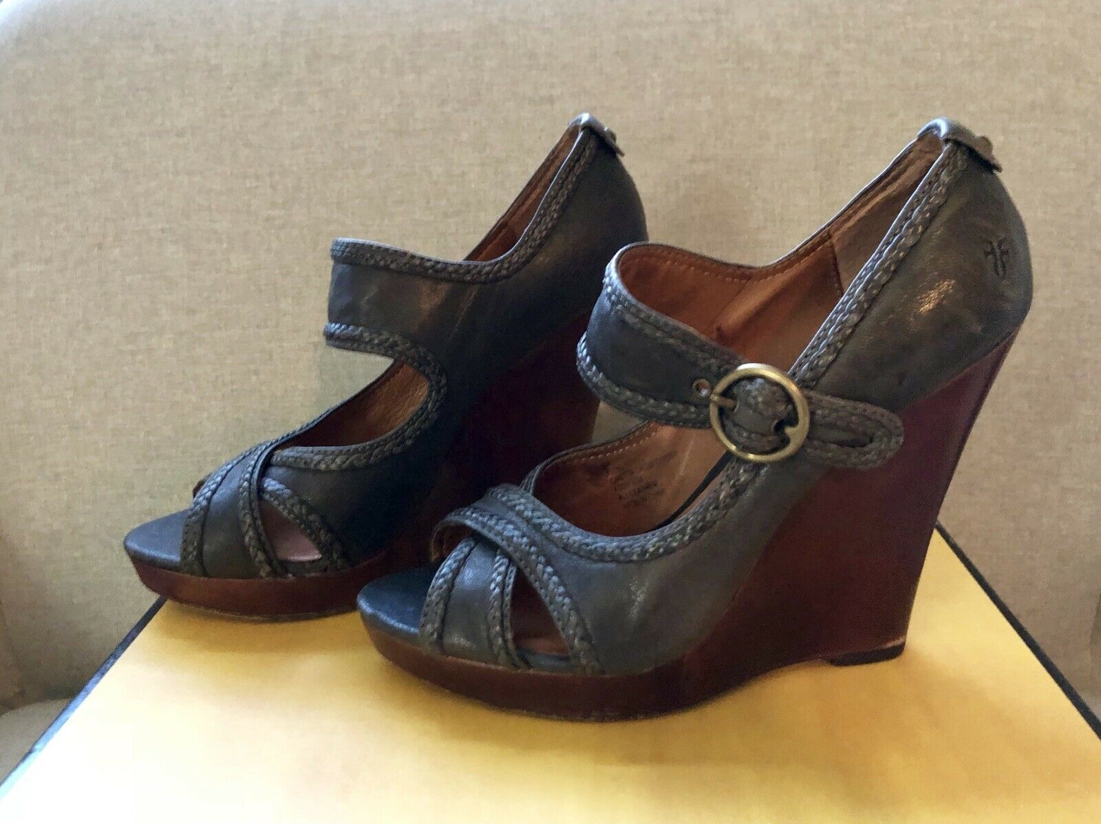 FRYE Gretta Criss Criss Criss Cross Grey Leather Wedges Sz 6M 4c8d69