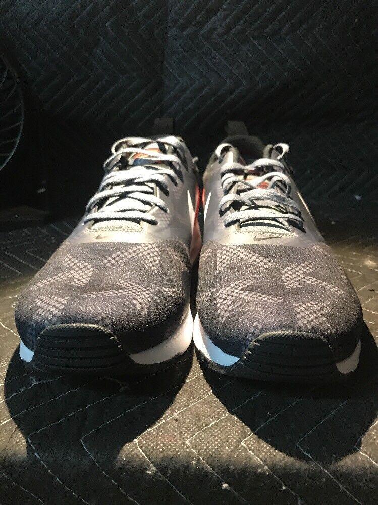 Nike Air Max Tavas SE 718895 006 Size 11.5