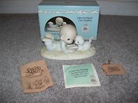 Precious Moments I Love To Tell The Story 1985 Members Only Figurine In Box