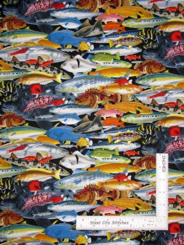Yard Fish Catalina Island Fishes Allover Cotton Fabric 8201 Elizabeth/'s Studio