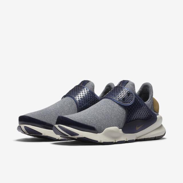 dcde7734d7a8c WMNS Nike Sock Dart SE Mingiht Navy Gold Womens Running Slip-on Shoes  862412-400 5