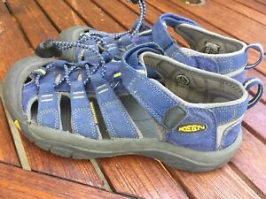 Keen girls Newport Navy water shoes sandals size 13 new