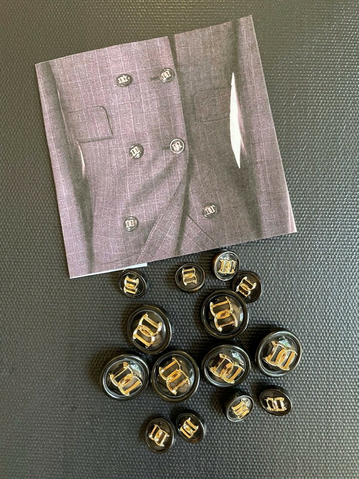 Set of DSquared2 buttons (Preloved)