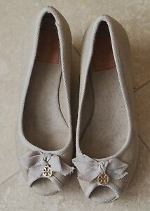 ef94090361a TORY BURCH Beige Canvas Espadrille Wedge Peep Toe Shoes 8B Made in ...
