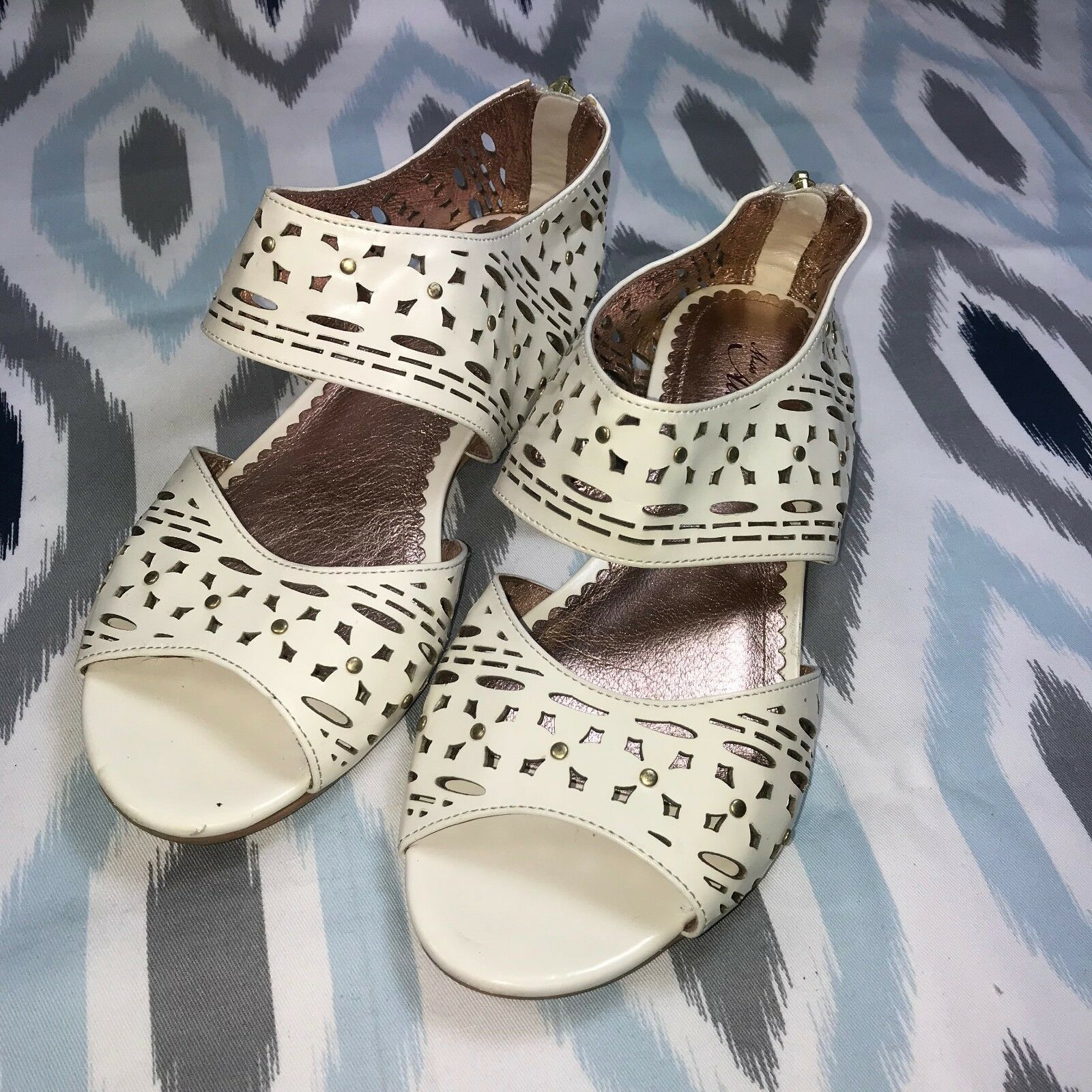 Miss Albright Size 6 6.5 Anthropologie Cream Cutout Sandals Patent Leather Studs