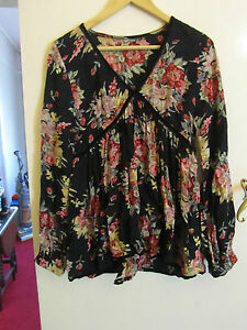 Black-amp-Multicoloured-Floral-Long-V-Neck-Tunic-Top-in-Size-10