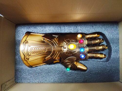 HCMY Thanos Infinity Gauntlet Full Metal 1:1 Wearable Cosplay Statue LED Instock Comicfiguren