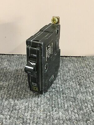 1PC Cutler Hammer Bolt-On QBHW1020 Circuit Breaker 20A 1POLE 120//240VAC