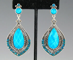 NEW-BLUE-GENUINE-CRYSTALS-LUCITE-FASHION-PIERCED-EARRINGS-IN-ANTIQUE-SILVER-TONE