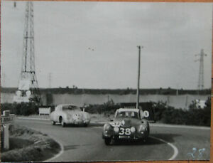 44 . 24 Heures Du Mans . 1953 . Bristol Et Porsche 356 . 1 X Photo . 12 X 9 Cm . ImperméAble à L'Eau, RéSistant Aux Chocs Et AntimagnéTique