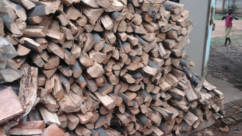100% dry Hard Wood for sale. sales from 6 am to 6 pm monday to sunday.