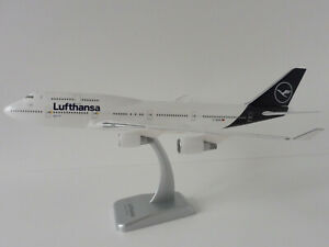 Boeing-747-400-LUFTHANSA-1-200-Limox-Wings-LW200DLH009-747-D-ABVM-NEW-COLOURS