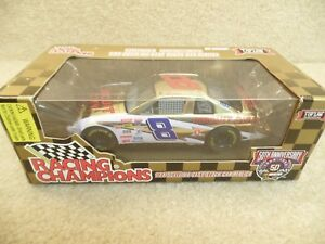1998-Racing-Champions-1-24-Gold-NASCAR-Hut-Stricklin-Circuit-City-Monte-Carlo
