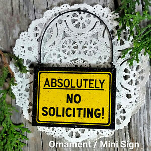 DECO-Mini-Fun-Sign-NO-SOLICITING-SIGN-New-Fits-over-Doorknob-or-by-Doorbell