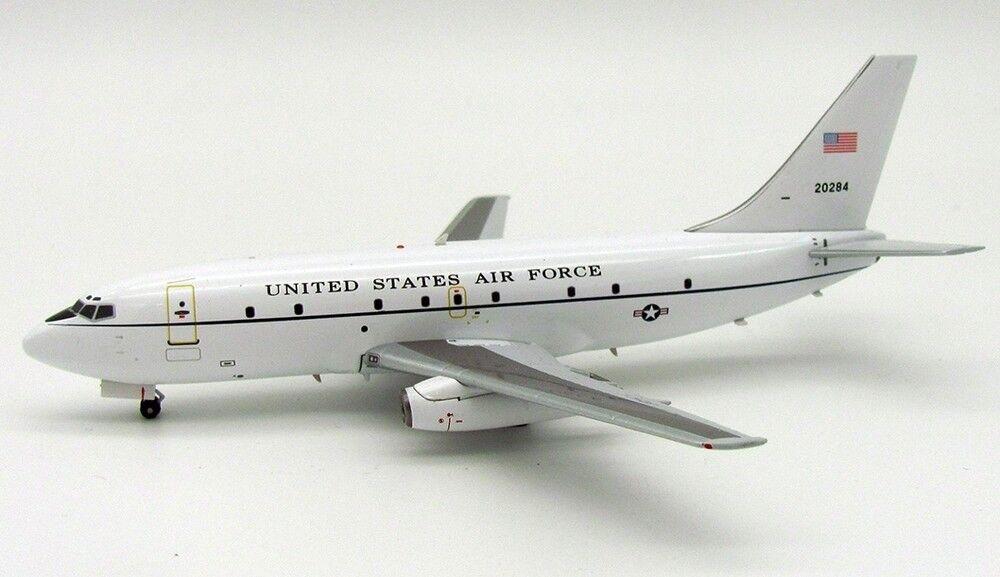 Jfox JF7372018 1/200 USA Air Force Boeing T-43A (737-200) 72-0284 con Soporte