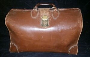 Doctor's Bag, Leather, Antique, Leather Tab & Brass Closure, Unlocked, No Key